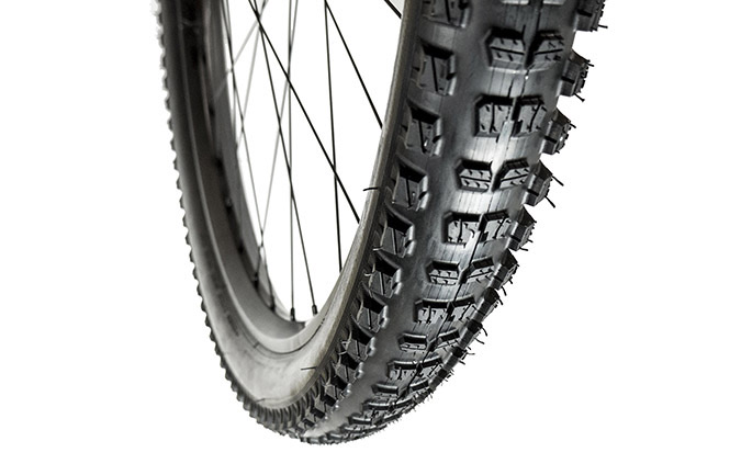 E13 TRS RACE ALL-TERRAIN 29 X 2.35 MOPO