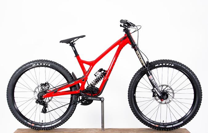 SUPREME DH V4.2 RACE 650B SHINY RED 2018 (M)