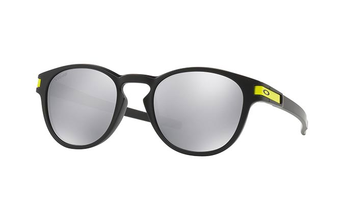 GAFAS DE SOL OAKLEY LATCH VR/46 MATTE BLACK/CHROME IRIDIUM