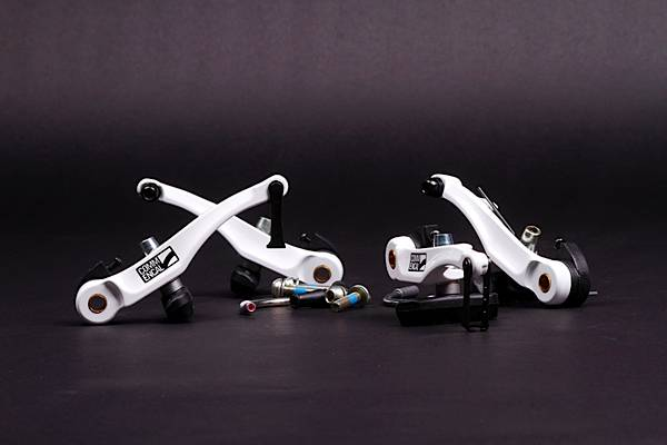 PAIR OF FRONT AND REAR COMMENCAL V-BRAKE, WHITE